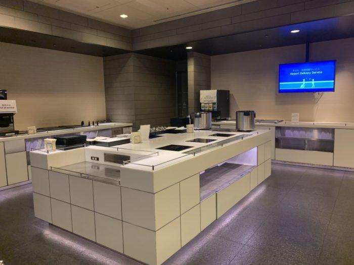 コロナウイルス対策中のANA羽田国際空港ラウンジ